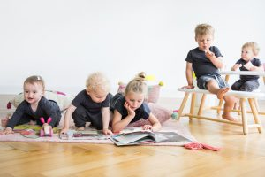 minividuals-interior-kids-people-lifestyle09-300x200 interiorfotografie-hamburg-kids-werbefotografie