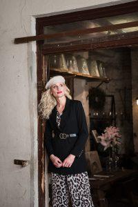 mode-best-ager-blonde-hair-hamburg-fashion-fotografie-02-200x300 mode-best-ager-blonde-hair-hamburg-fashion-fotografie-02